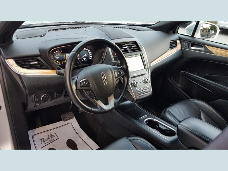 Lincoln MKC 2015 price $26,900