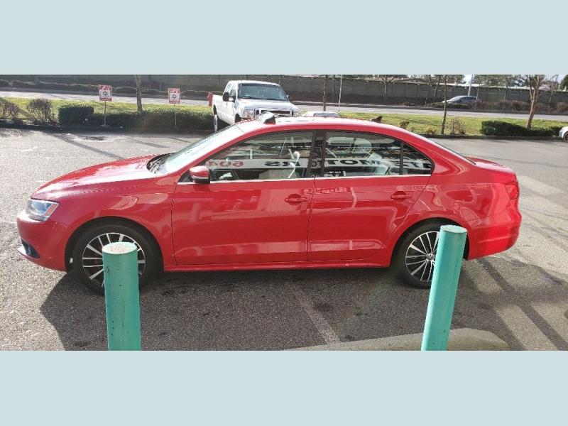 Volkswagen Jetta 2014 price $15,900