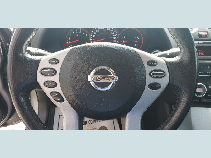 Nissan Altima 2008 price $8,900