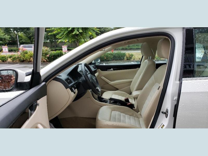 Volkswagen Passat 2014 price $17,900