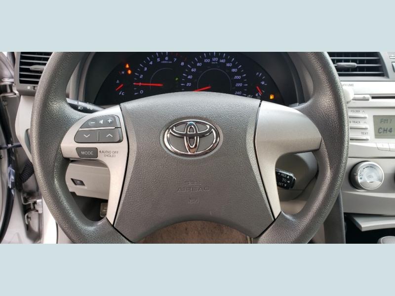 Toyota Camry 2010 price $10,900