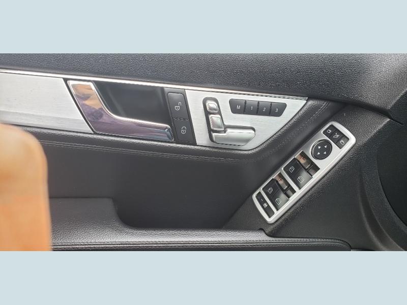Mercedes-Benz C300 2008 price $7,900
