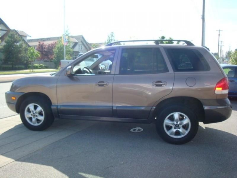 Hyundai Santa Fe 2005 price $5,900