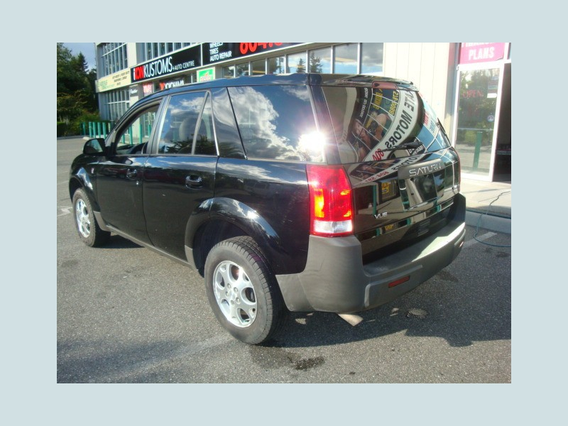 Saturn VUE 2004 price $3,900