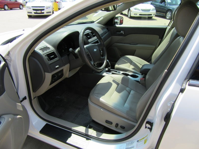 Ford Fusion 2011 price $7,595