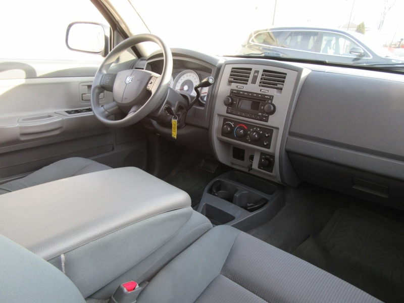 Dodge Dakota 2005 price $6,995
