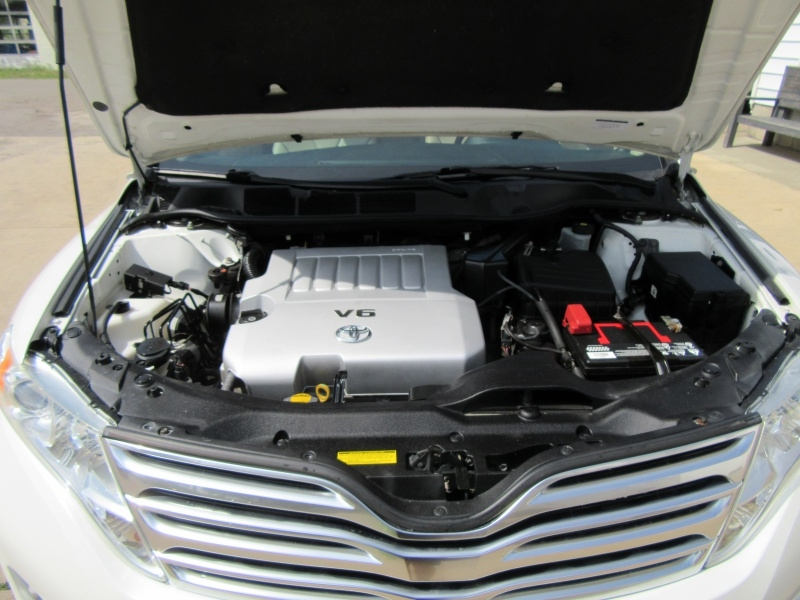 Toyota Venza 2009 price $9,595