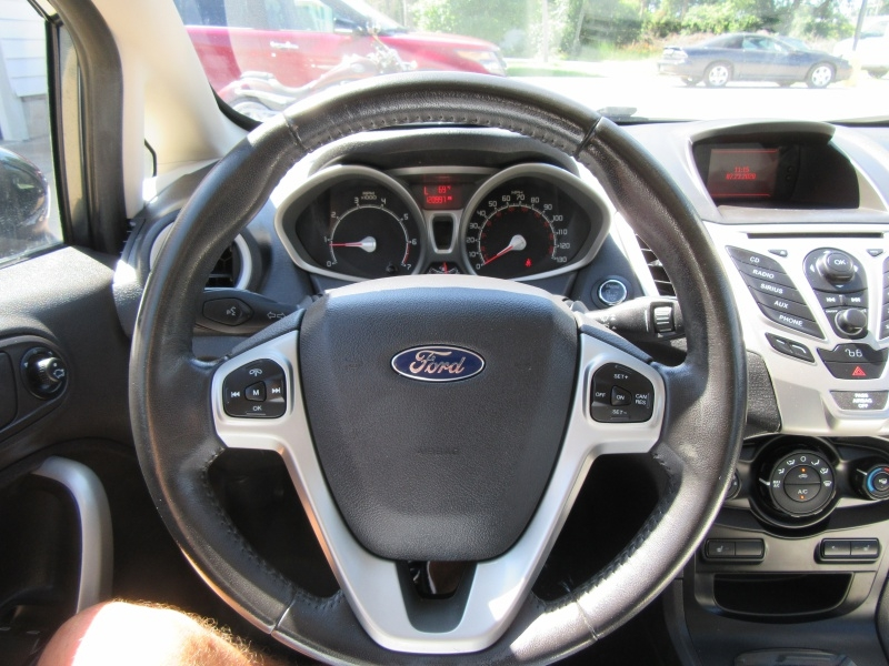 Ford Fiesta 2011 price $5,595