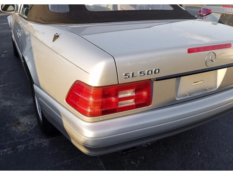Mercedes-Benz SL Class 1999 price $8,999