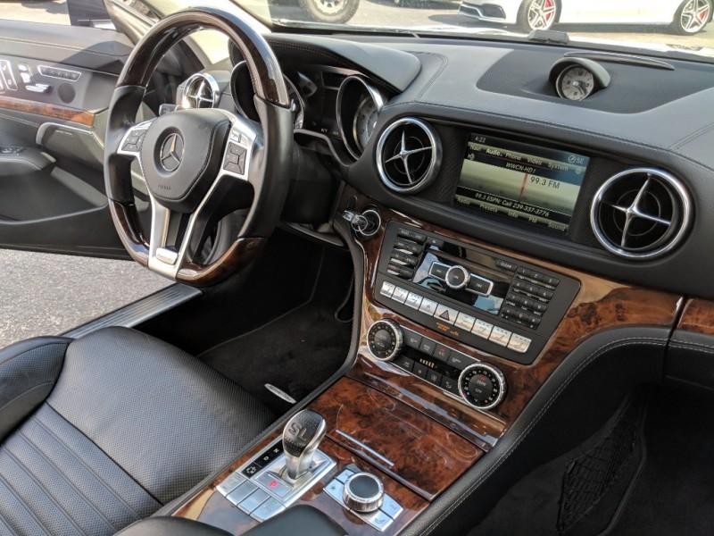 Mercedes-Benz SL-Class 2014 price $41,975