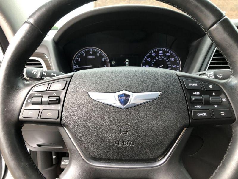 HYUNDAI GENESIS AWD 2016 price $19,999