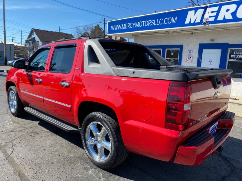 CHEVROLET AVALANCHE 2011 price $11,995
