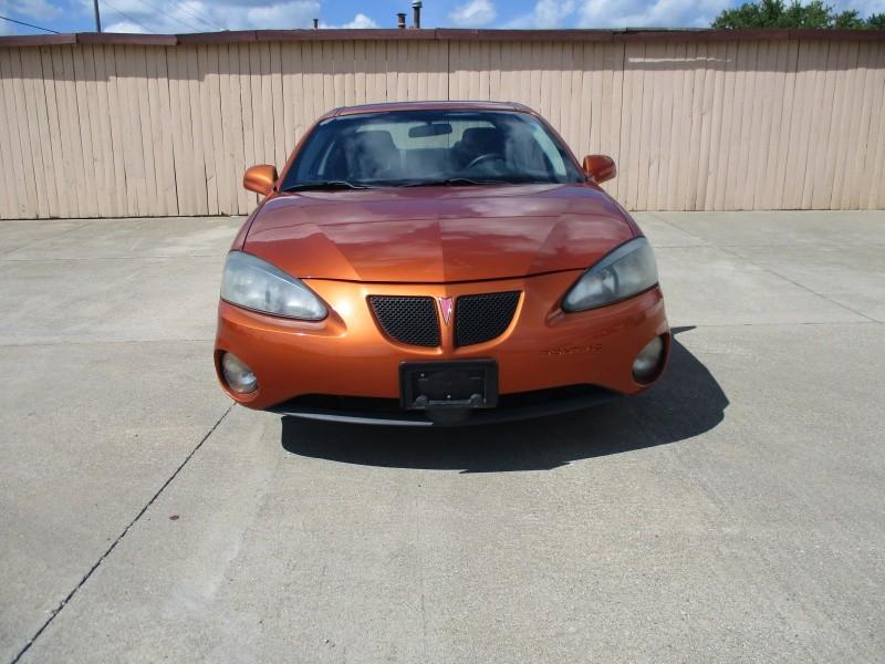 Pontiac Grand Prix 2004 price $3,695
