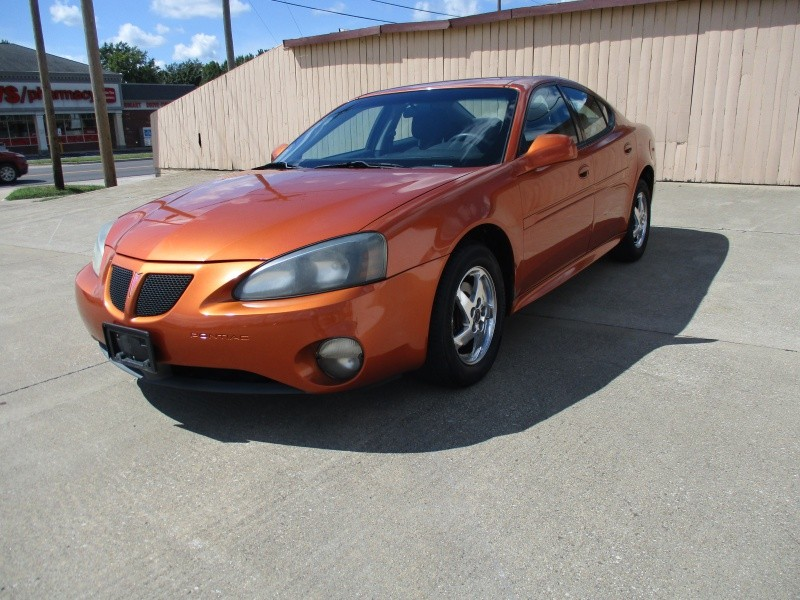 Pontiac Grand Prix 2004 price $3,695
