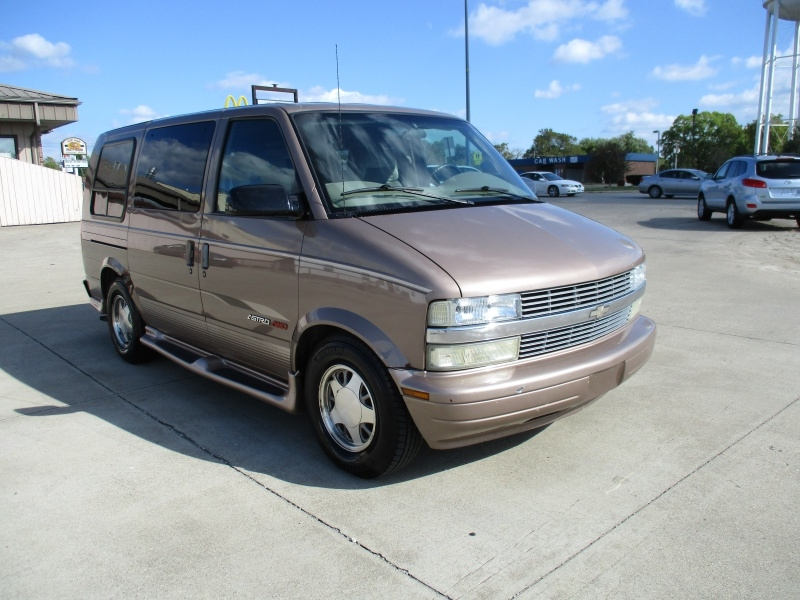 Chevrolet Astro Cargo Van 2002 price $3,595
