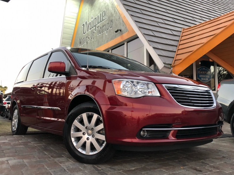 CHRYSLER TOWN & COUNTRY 2015 price $13,978