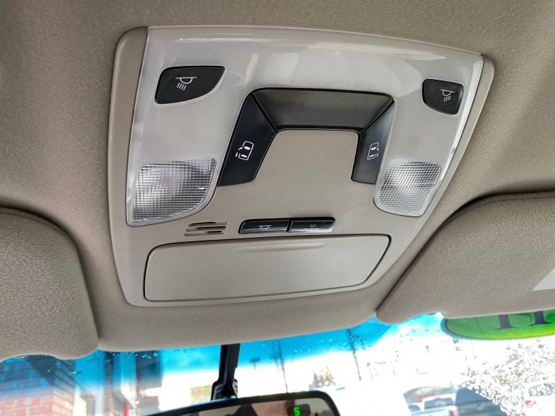 Toyota Sienna 2011 price $12,900