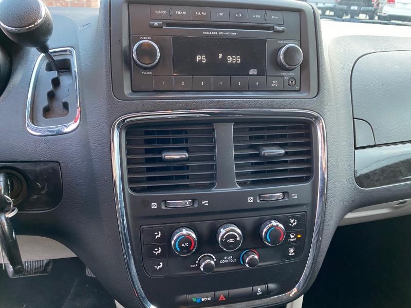 Dodge Grand Caravan 2015 price $10,995