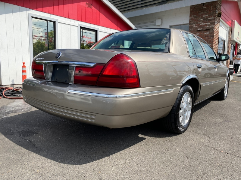 MERCURY GRAND MARQUIS 2004 price $5,995