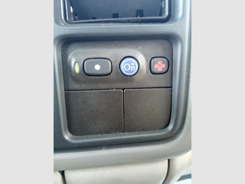 GMC Yukon 2001 price $2,000