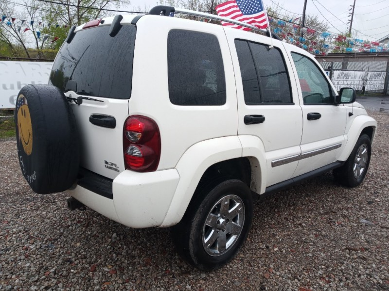 Jeep Liberty 2005 price $4,988