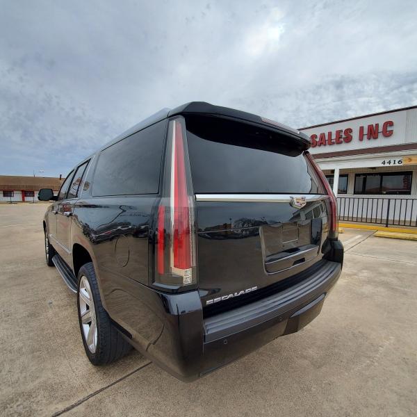 Cadillac Escalade ESV 2015 price $0