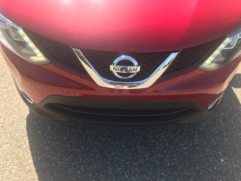 Nissan Rogue Sport 2017 price $15,495