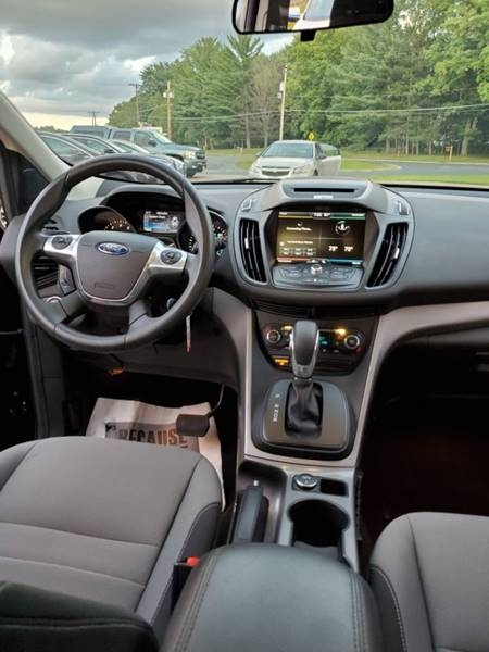 Ford Escape 2015 price $11,495