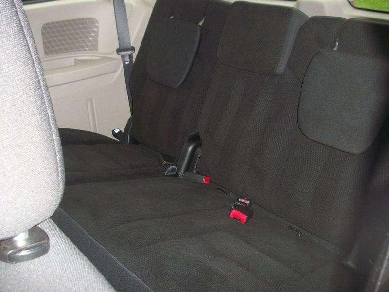 Dodge Grand Caravan 2018 price $12,495