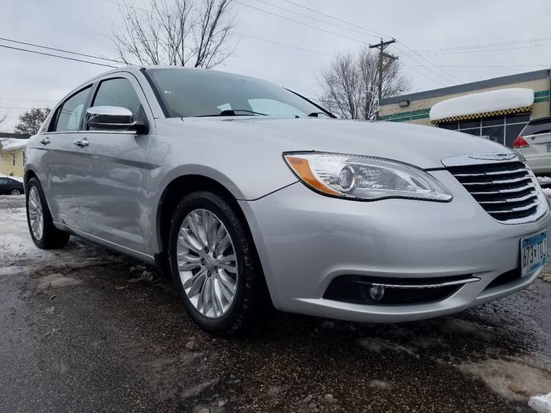 Chrysler 200 2011 price $4,995