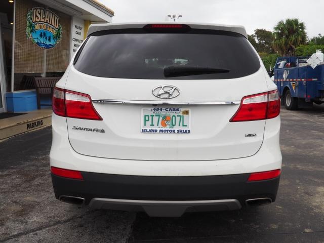 Hyundai Santa Fe 2016 price $12,591