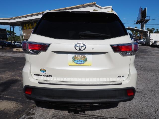 Toyota Highlander 2015 price $20,836