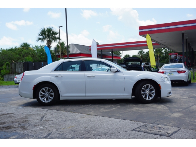 Chrysler 300 2015 price $12,854