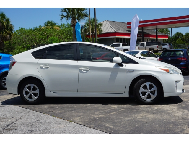 Toyota Prius 2013 price $12,795