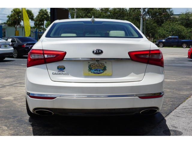 Kia Cadenza 2016 price $17,235