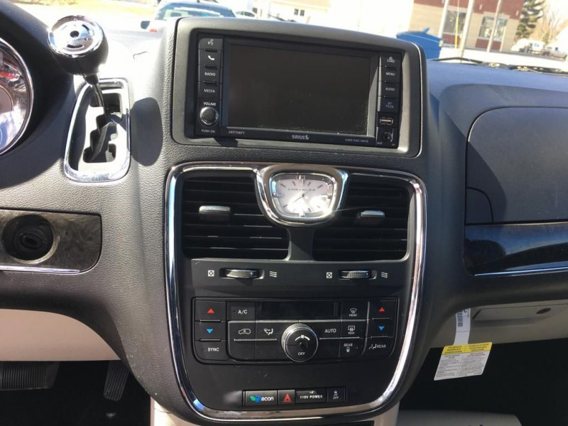 CHRYSLER TOWN & COUNTRY 2014 price $11,995