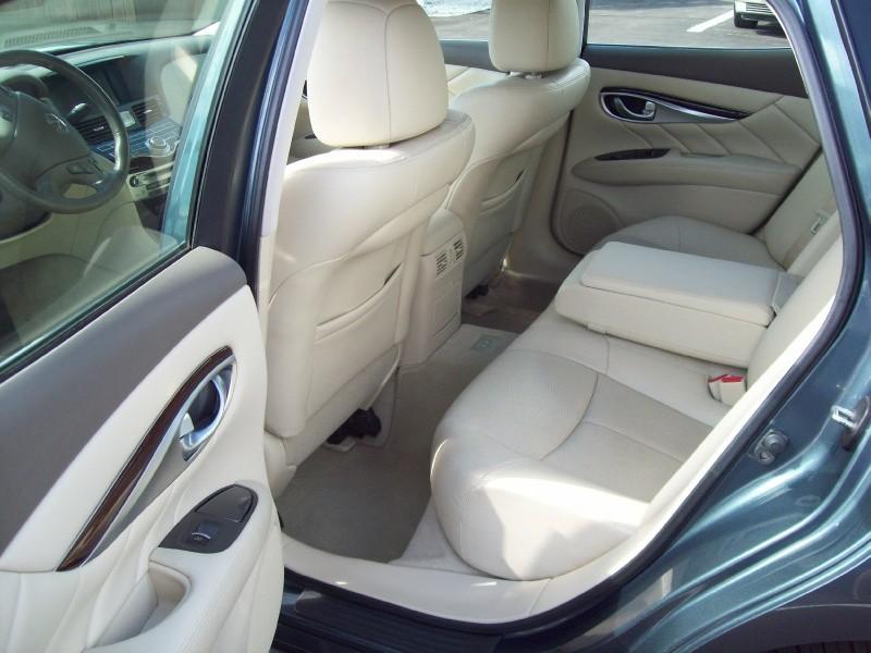 INFINITI M37 2011 price $9,490