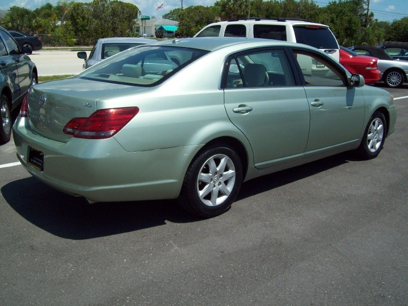 TOYOTA AVALON 2009 price $6,490