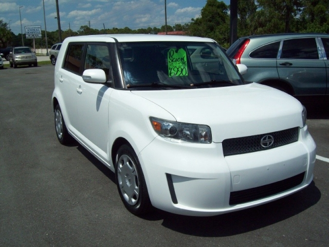 2010 SCION BASE