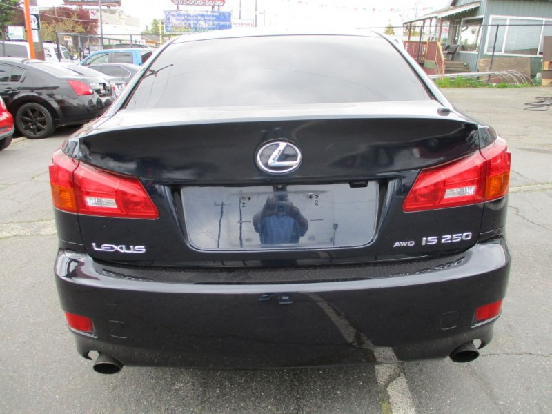LEXUS IS 250 AWD 2006 price $6,400