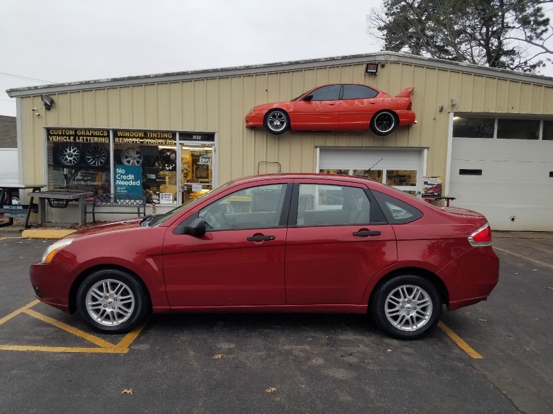Ford Focus 2009 price $3,995