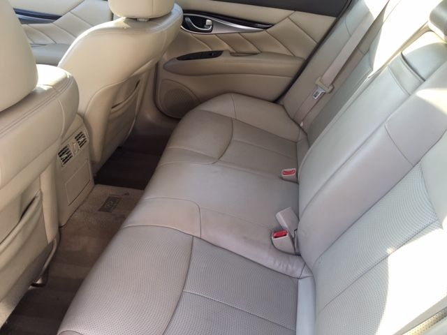 INFINITI M37 2012 price $17,990