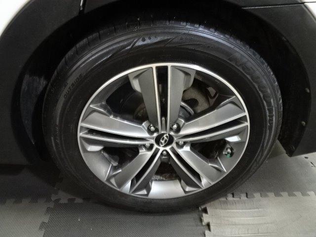 Hyundai Santa Fe 2015 price $14,995