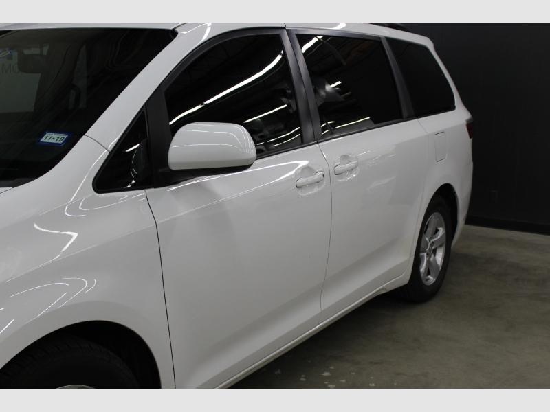 Toyota Sienna 2017 price $22,999