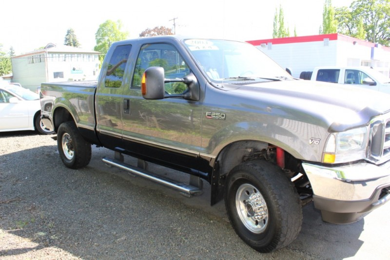 Ford Super Duty F-250 2004 price $9,999