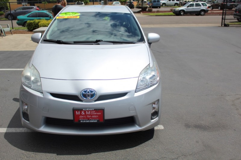 Toyota Prius 2011 price $9,999