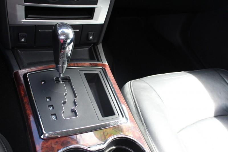 Chrysler 300 2008 price $8,999