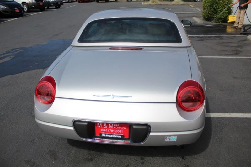 Ford Thunderbird 2004 price $15,999