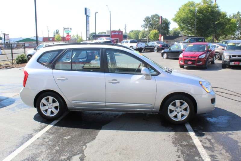Kia Rondo 2008 price $5,999