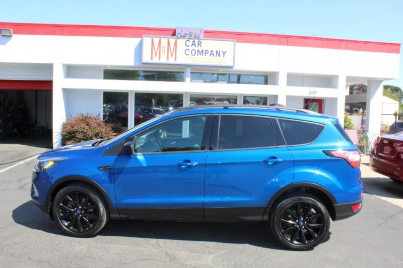 Ford Escape 2017 price $18,999